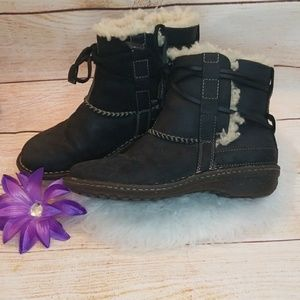 Barely used UGG ankle lace around fur moto boots 8